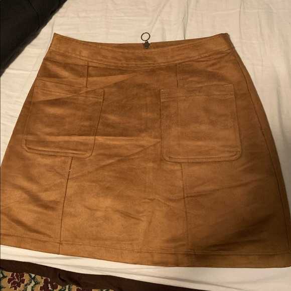Old Navy Dresses & Skirts - Old Navy Suede skirt, size 6
